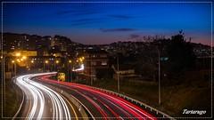 Entrando y saliendo. (Tartarugo) Tags: pentax k5 iis tartarugo paseos por vigo galicia españa spain 2018 sabado saturday febrero february invierno winter spai autopista del do atlantico ap9 teis nocturna noche night noite highway hora azul blue hour