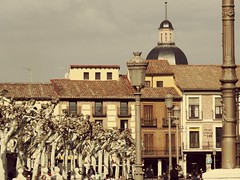 Te veo como una postal antigua (Bonsailara1) Tags: bonsailara1 alcaládehenares madrid españa spain plaza square cervantes antiguo procesado