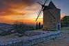 Coucher de soleil sur le Luberon (Cri.84) Tags: moulin coucherdesoleil luberon provence vaucluse ¨paysage