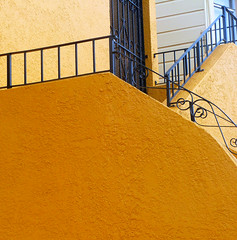 hello yellow stucco (msdonnalee) Tags: stairway wroughtironbannister bannister yellow giallo gelb jaune amarillo stucco stairs explore