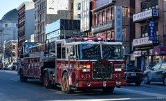 FDNY - Ladder 6 (Arthur Lombard) Tags: fdny firedepartment firebrigade firetruck firestation ladder ladder6 newyork emergency bluelight 911 999 112 18 nikon nikond7200 seagrave truck street