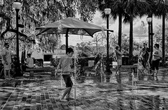 DSCF0885_360_2048p (RVDigitalBoy) Tags: children fountain park streetphotography