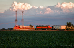 'Bonnet Broadside (Wheelnrail) Tags: bnsf burlington northern santa fe atsf chillicothe subdivision verona ilinois sunset lchi102 ge c449w farmland midwest local freight train trains railroad rail road railway warbonnet summer evening clouds