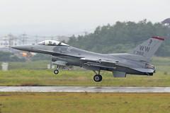 Lockheed-Martin F-16C Fighting Falcon 91-0382 'WW' 13th FS/35th FW (Mark McEwan) Tags: lockheedmartin f16 f16c fightingfalcon 910382 ww wildweasel 13thfs 13thfightersquadron 35thfighterwing 35thfw misawaairbase tsuiki fighter aviation aircraft airplane military japan usairforce usaf unitedstatesairforce