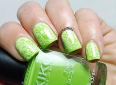 Green Christmas nails (Simona - www.lightyournails.com) Tags: green stamping esmalte smalto kiko kikocosmetics kikotrendsetters vernis manicure unghie nails nailpolish nagellack naillacquer nailart nailstamping