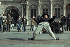 Bullet time (Benjy652) Tags: paris travel street discoveries art city