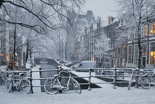 Snow covers the Leliegracht in Amsterdam