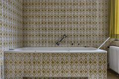 . your private hell (Ruinenstaat) Tags: tumraneedi ruinenstaat wanne badewanne badezimmer bad bathroom bathtub neglected nikond750 abandoned derelict oblivion platzderaltensteine inruins lost lostplace urbex urbanexploring urbanexploration hotel