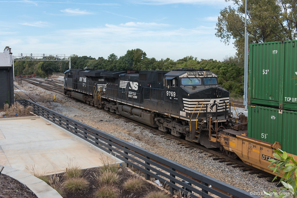 The world 39 s newest photos of tofc flickr hive mind for Howell s motor freight
