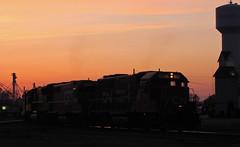 GTW Sunset (GLC 392) Tags: gtw 6401 4910 3785 grand trunk western railway railroad train sunset sun set clock town water durand mi michigan emd sd70m gp40 gp402 gp382 union pacific