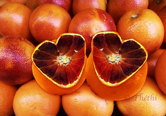 180213 osc 180219 © Théthi (thethi (pls, read my first comment, tks a lot)) Tags: fruit orange sanguine carnaval gille rouge coeur cadeau fête saintvalentin surprise humour binche photoshopped macro fevrier setfestivities faves53