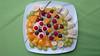 Bildschichten Fruechteteller 00k (wos---art) Tags: früchteteller obstteller geschnittenefrüchte obst bildschichten früchte inliebe füresther orangen kiwi banane birne himbeeren ananas weintrauben apfel