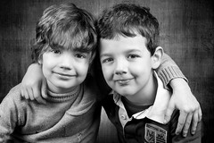 Cousins (Diego Pianarosa (aka Pinku)) Tags: diego pianarosa pinku cugini bw boys ragazzi childs bambini cute teneri soe portrait ritratto