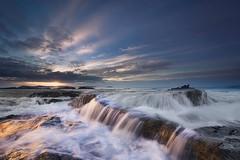 Il riposo del sole (Zz manipulation) Tags: art ambrosioni acqua autunno zzmanioukation sea mare sole onde spiaggia sera tramonto
