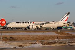 Here is Air France C-HRBC (shumi2008) Tags: airfrance airfrance787 aifrance787klm airfrance787dreamliner boeing787 b7879 toronto pearsonairport torontopearson skyteammember