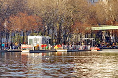 347 Paris en Février 2018 - sur le Bassin de La Villette (paspog) Tags: paris france quai février februar february 2018 bassindelavillette quaidelaloire