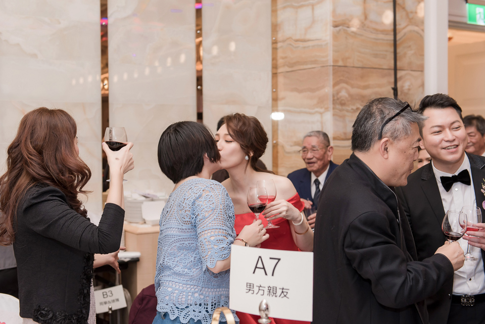 婚攝 高雄林皇宮 婚宴 時尚氣質新娘現身 S & R 156