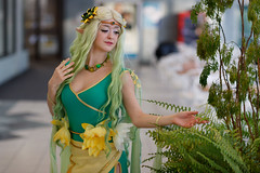 Gatineau-G-Anime-2018_006 (Besisika) Tags: ganime winteredition 2018 palaisdescongrèsdegatineau anime convention cosplay cosplayer costume colormatching contrastbalance ottawa winter snow black white green naturallight girl lady beautiful fille damme femme feminine people ontario canada canon 85mm12 windowlight filllight indoor portrait pose posing model