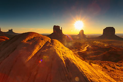 Crystal Monuments (leakylightbucket) Tags: monumentvalley utah landscapephotography navajonation indiancountry sunrise mittens buttes silhouette