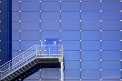 Seven (s127ha88) Tags: seven minimalistic architecture wall blue stair