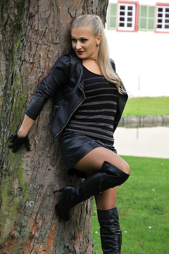 The Worlds Best Photos Of Leather And Miniskirt - Flickr -2523