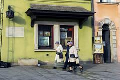 Warsaw - Poland (betinho_had) Tags: warsaw warsawa poland varsóvia polônia polish walk walking street woman people thirdage oldpeople travel travelling europe eurotrip aroundtheworld colors colours colorful viagem brilliant beautiful streetshot streetphotography fujifilm fuji x100f calle fotografiacallejera fotoderua fotgrafiaderuatravel alone history