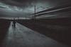 Movimiento (Sergio Nevado) Tags: movimiento movement alava tren train camino road cielo sky nubes clouds blanco negro blancoynegro blackandwhite paisvasco basquecountry chica girl mujer woman perro dog animal pet beagle