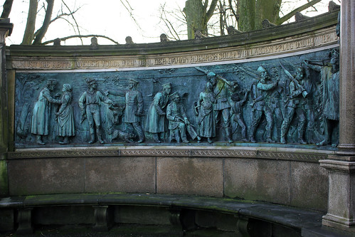 "Kriegerdenkmal Schlossgarten (10) • <a style=""font-size:0.8em;"" href=""http://www.flickr.com/photos/69570948@N04/25283596797/"" target=""_blank"">View on Flickr</a>"