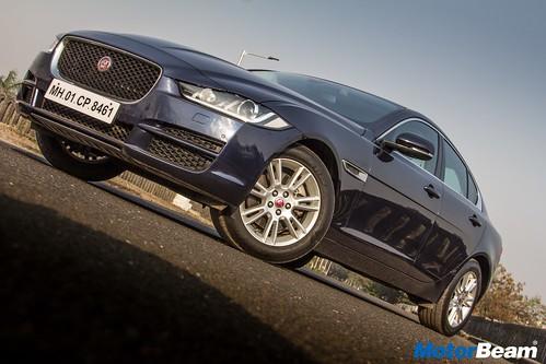 Jaguar-XE-Diesel-13