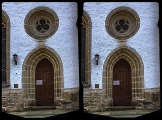 Freiberger Dom, side entrance 3-D / Stereoscopy / CrossEye / HDR / Raw
