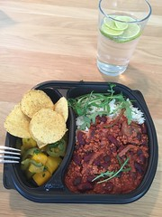 Lunch 6/2 (Atomeyes) Tags: mat lime vatten chiliconcarne jalapeno ris mango salsa tortilla chips