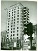 1936, piazza San Babila, la Torre della SNIA Viscosa e' vicina al completamento mentre sono partiti i lavori per la costruzione del Palazzo della Toro Assicurazioni (Milàn l'era inscì) Tags: urbanfile milanl'erainscì milano milan oldpicture milanosparita vecchiefoto sanbabila
