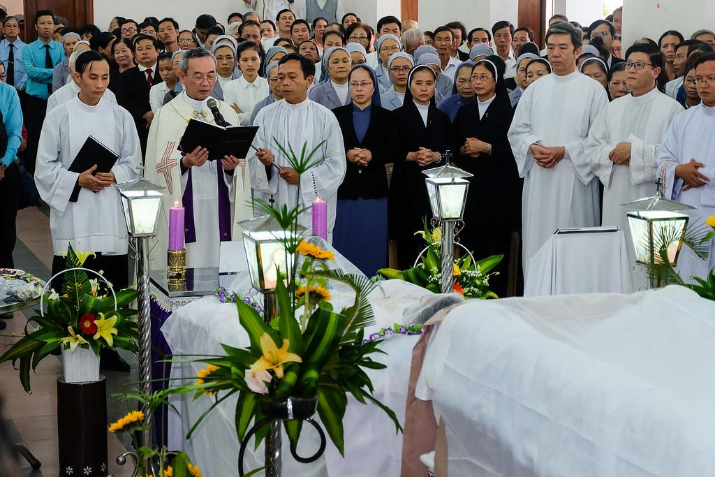 Nhap quan cha Anton Nguyen Truong Thang-5