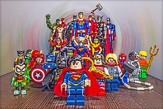 Small toys / Minifigures