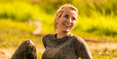 Muddy smile. (Alex-de-Haas) Tags: 70200mm bootcamprun d750 dutch dutchies geestmerambacht holland langedijk nederland nederlands nikkor nikon noordholland bootcamp candid conquering dirt dirty endurance evenement event familie family fit fitdutchies fitness fun hardlopen joggen jogging mensen modder mud obstacle obstakel overwinnen people plezier recreatie recreation rennen renner renners run runner runners running sport sportief sportiviteit sporty summer team teamspirit teamgeest vies volharding zomer