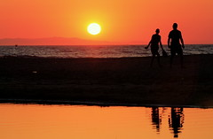 14 feb DAY of 💖LOVE ! (maria xenou) Tags: sunset greece sonnenuntergang tagderliebe dayoflove reflections moments momente spiegelung water sky sea earth man women sun sunlight sonne sonnenlicht ημερατησαγαπησ θαλασσα ουρανοσ ηλιοσ αντανακλασεισ love liebe αγαπη ειρηνη 14φεβρουαριου canoneos1100d