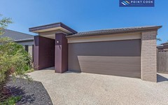 18 Tanoa Crescent, Point Cook VIC