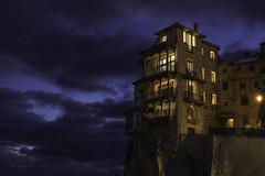 Una casa en las nubes (Luis R.C.) Tags: casas edificios ciudades cuenca españa viajes nikon d610 nocturnas nubes