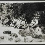Archiv FaMUC132 Münchner Familie, Wanderungen, 1920er thumbnail