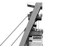 mine head (O l l i . B .) Tags: prosper bottrop mining mijn mine minehead fördergerüst förderturm schachtgerüst dsk rag ruhrkohle ruhrgebiet ruhrpott nrw nordrheinwestfalen steinkohle tiefbau untertage industriekultur industrial industrie industriefotografie schwarzweis sw bw schwarzundweis schwarz weis blackwhite black white noir blanc canoneos5dmkiii canonef24105mm140lisusm architektur ollib oliverbuchmann