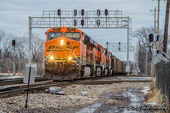 BNSF 6017 | GE ES44AC | BNSF Thayer South Subdivision (M.J. Scanlon) Tags: bnsf6017 ge es44ac empty coal miller alabamapower cnjunction signal signals signalbridge bnsf bnsfrailway bnsfthayersouthsub tree sky digital merchandise commerce business wow haul outdoor outdoors move mover moving scanlon mojo canon eos engine locomotive rail railroad railway train track horsepower logistics railfanning steel wheels photo photography photographer photograph capture picture trains railfan memphis tennessee