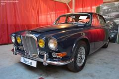 Jaguar 420 1968 (Monde-Auto Passion Photos) Tags: voiture vehicule auto automobile jaguar berline bleu ancienne classique rare rareté véhicule vente enchère osenat france fontainebleau