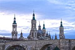 EL PUENTE (alejandrolazarourgel) Tags: zaragoza piedra puente 2018 basilica pilar rio ebro
