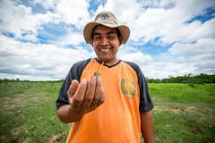 Empresas que cambian vidas : Chorrito Bajo (Oxfam en Bolivia) Tags: ecv hombre retrato sonrisa seguridad alimentaria medioambiente naturaleza comida agricultura campo grena felicidad feliz cara hombres