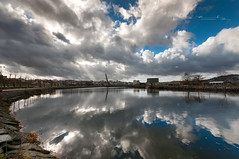 Reflection of my beauty (Emilio Rico Uhia) Tags: procesadas20181⺠riolerez pontevedra galicia españa reflejos rios nubes espejo d90 sigma1020 emilioricouhia