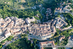 Montepulciano (0.94 km South) - IMG_43417 (www.Fly-Foto.de) Tags: aerialphotography luftbild motorschirmreisetoscana2011 montepulciano tuscany italy geo:location=094kmsouthmontepulciano exif:focallength=28mm camera:make=canon exif:lens=ef28135mmf3556isusm geo:country=italy geo:state=tuscany geo:city=montepulciano exif:isospeed=800 exif:model=canoneos1100d camera:model=canoneos1100d geo:lon=11785485 geo:lat=43093335 exif:aperture=ƒ56 exif:make=canon