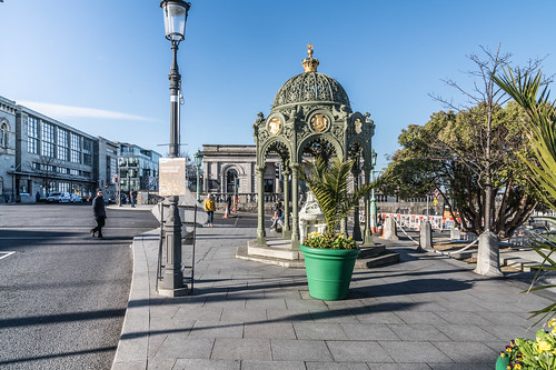 VICTORIA MEMORIAL FOUNTAIN IN DUN LAOGHAIRE [THIS IS INTERESTING AND WELL LOCATED]-136395
