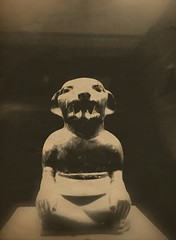 Pazuzu (Lesfleursdelmal) Tags: la plata buenos aires argentina museo monocromo