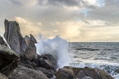 Lesconil (lelargla) Tags: paysage bzh bretagne sunset wave vague france finistere
