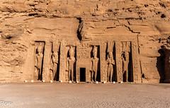 Templo de Nefertari (Perurena) Tags: templo temple tumba estatuas reina nefertari faraon piedra stone arquitectura abusimbel egipto